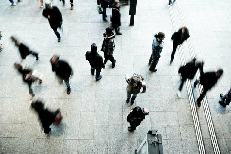 pedestrians, rush hour, blurred